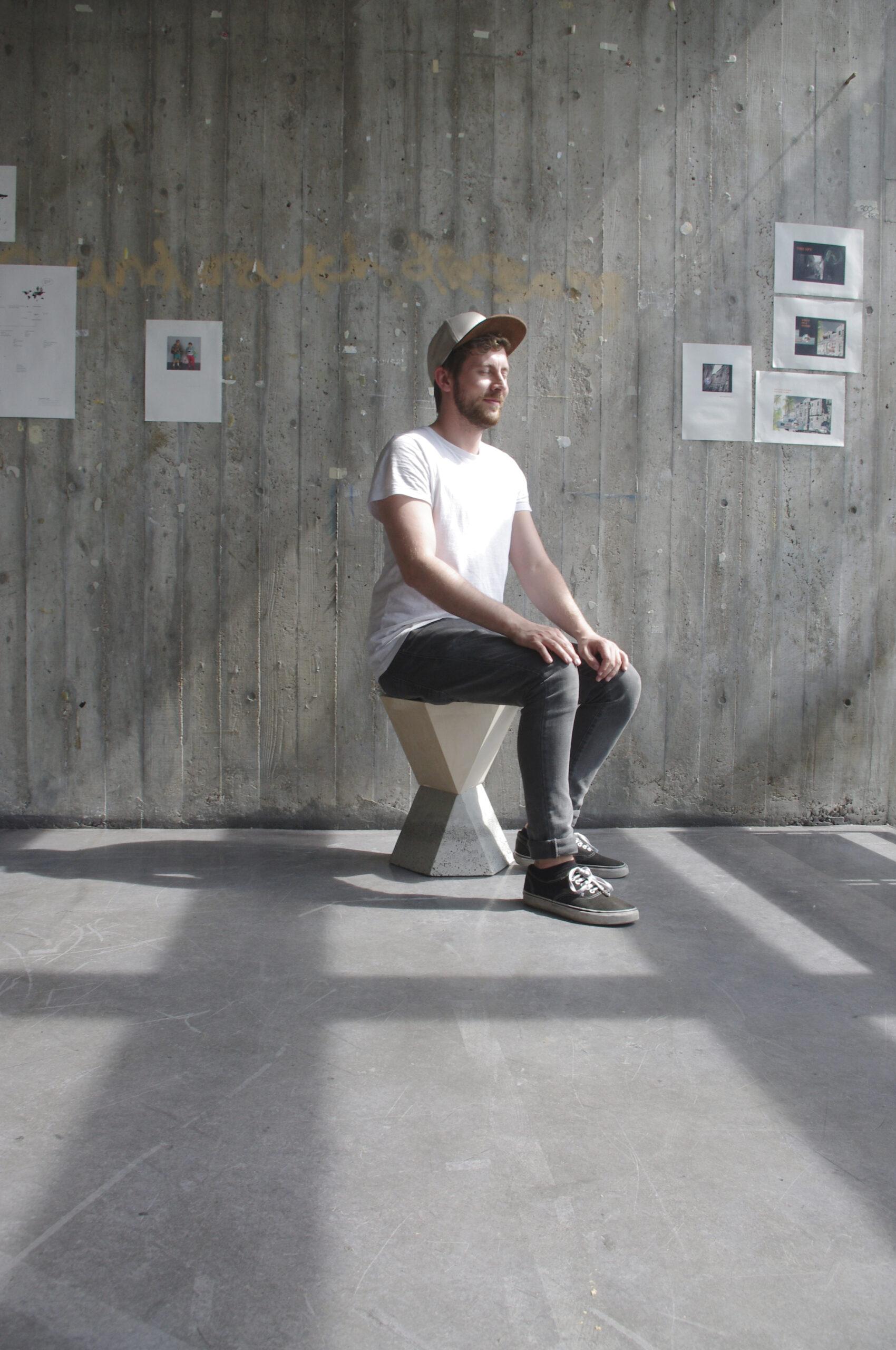 Sebastian Klawiter schalung hocker möbelexperiment